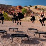 Jumping – cvičenie, ktoré spaľuje množstvo kalórií a stačí vám na to trampolína!